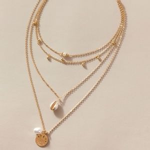 Shell Charm Necklace.